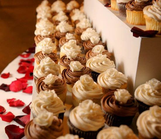 Lots and lots of wedding cupcakes
