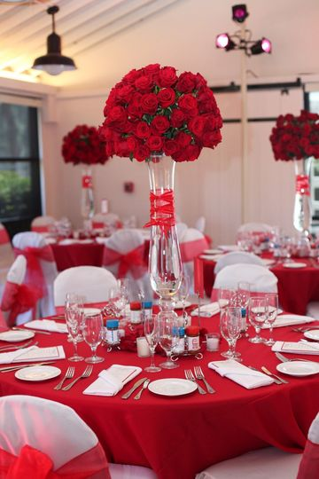 red roses centerpieces