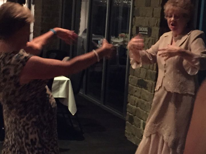 "These two ladies were having the best time dancing to Taylor Swift's ""Shake It Off"""