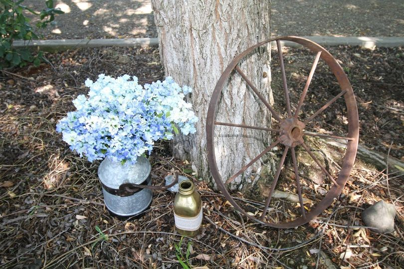 Floral decor and wheel