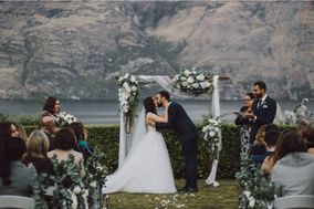 Simply Perfect New Zealand Weddings