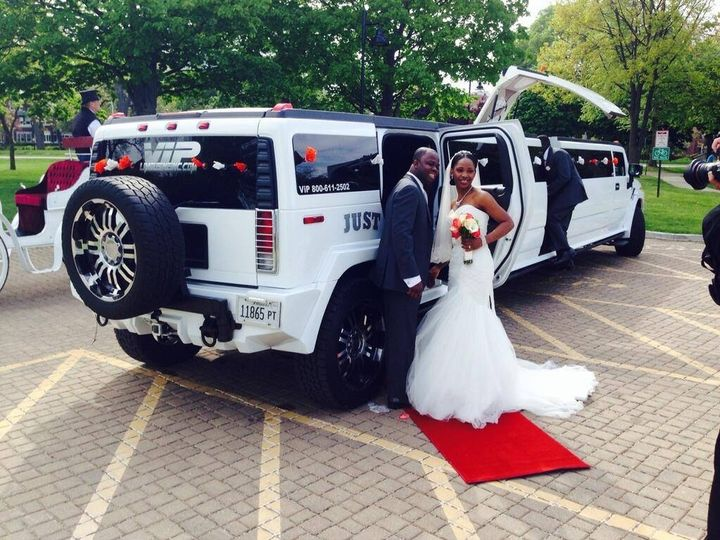 Tmx 10338437 692717897430907 7790042943446668369 O 51 595544 157928126166627 Chicago wedding transportation