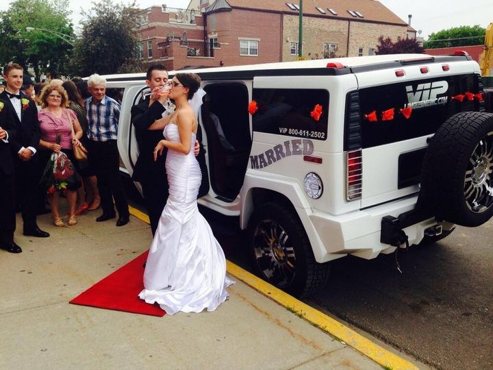 Tmx 10470877 702278106474886 6776567097635446632 O 51 595544 157928126141699 Chicago wedding transportation