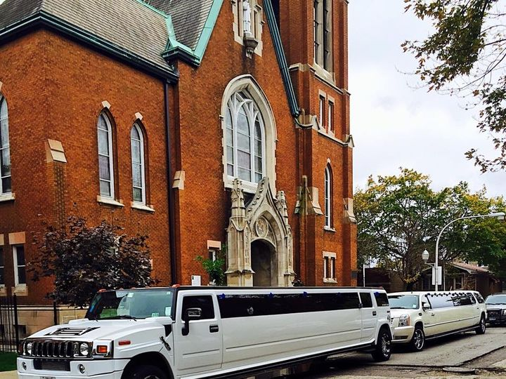 Tmx 12189748 930690576966970 6354166116323944182 N 51 595544 157928126730195 Chicago wedding transportation