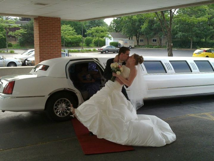 Tmx 1361861530132 62953477291735640192912432101n Chicago wedding transportation