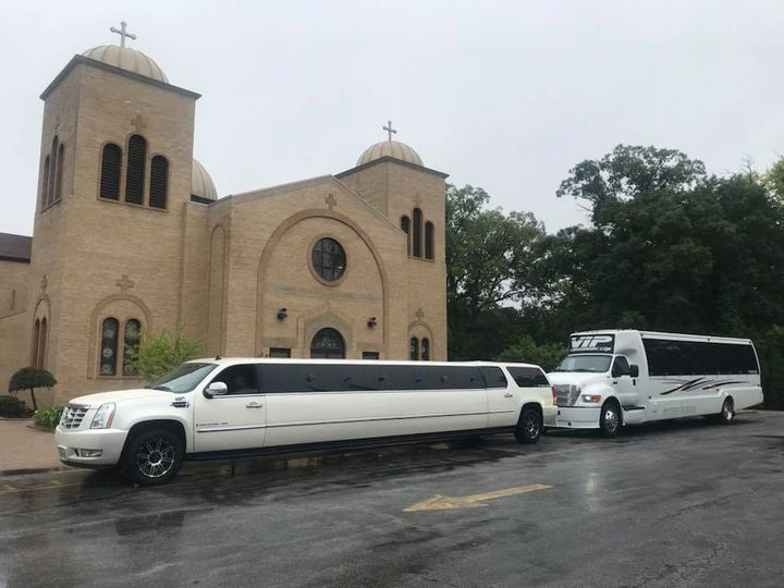 Tmx 34849755 1806306846072001 7557541513375252480 N 51 595544 157928126837086 Chicago wedding transportation