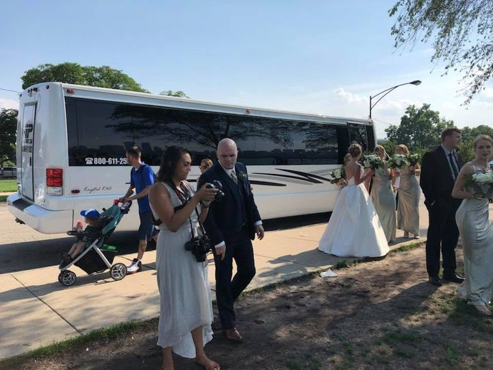 Tmx 35539439 1813962528639766 94693128249802752 N 51 595544 157928127176060 Chicago wedding transportation