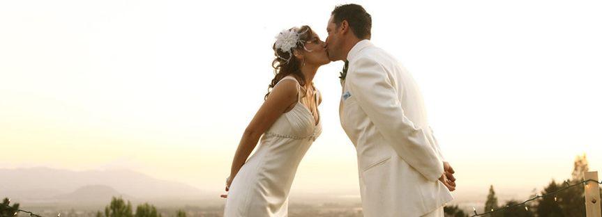 couple white kiss