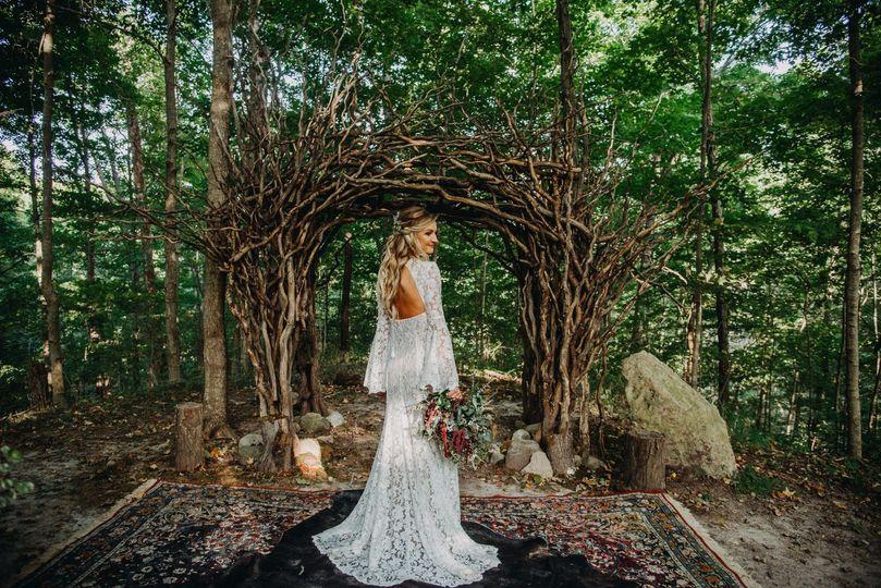 wedding in the woods 51 646544 157399923238363