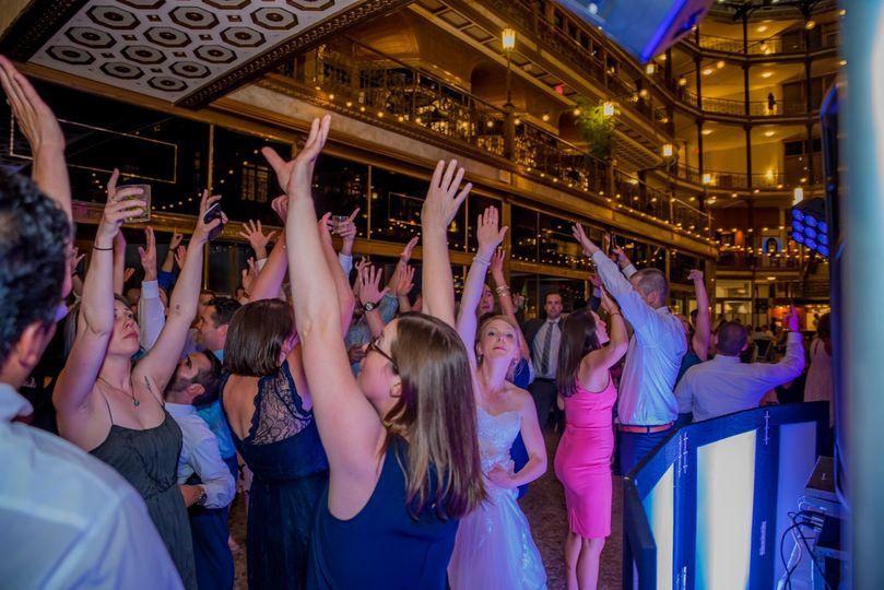 Hands up Dance
