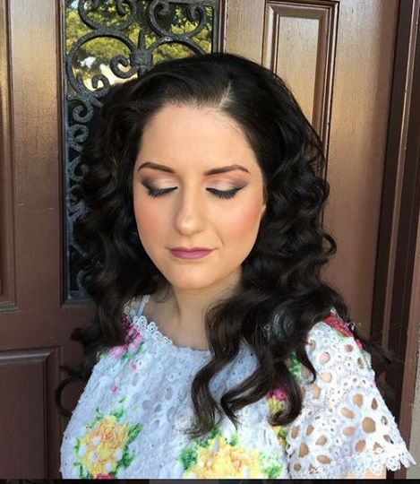 Curls and eyeshadow
