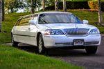 A Advantage Limousine image