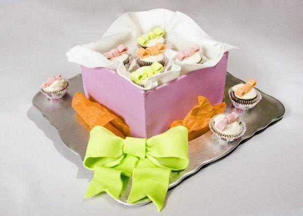 smallboxcupcakesfulldiagnalcopy