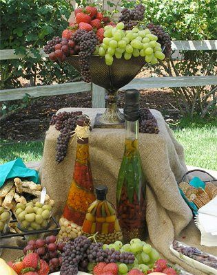 Table display and fruits