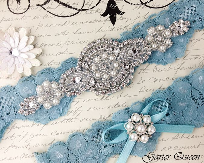 bridal garter wedding garter set stretch lace crystal applique garterqueen 2
