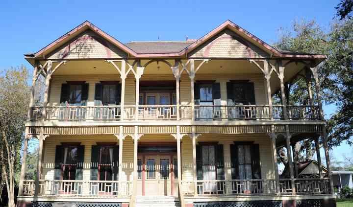 Longhorn Riverview Ranch & Historic Brandon House