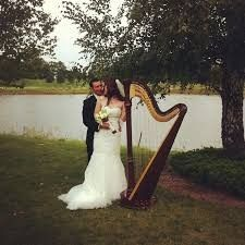800x800 1477617801294 couple with harp
