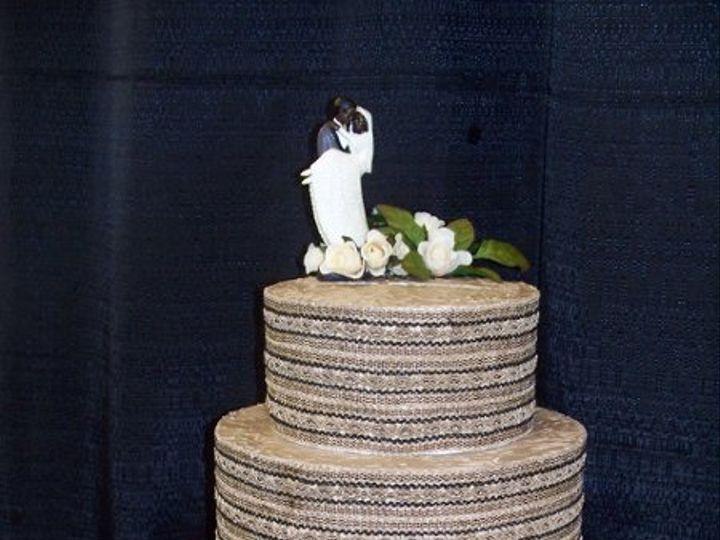 Tmx 1224698400518 Snowy004 Brimfield wedding cake