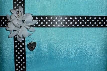 Tmx 1233787992482 Bluepoolguestbook2 Brimfield wedding cake