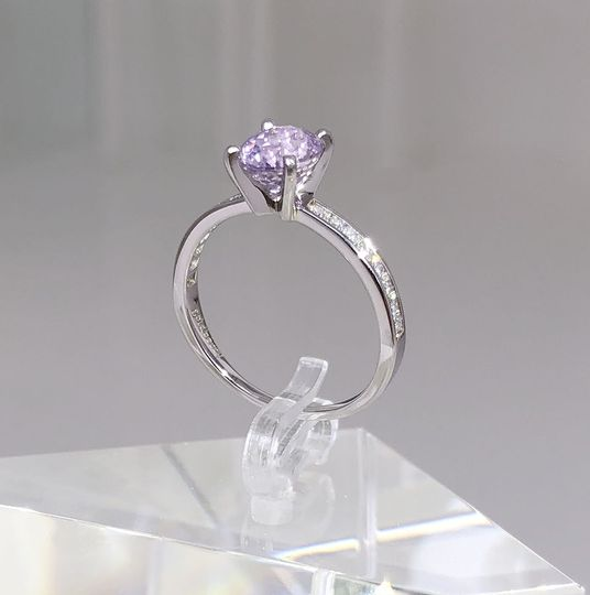 lilac NATURAL sapphire