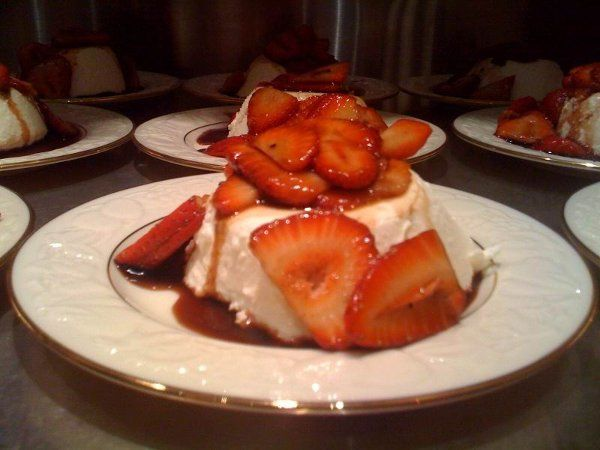 800x800 1283876374675 pannacottawithbalsamicstrawberries