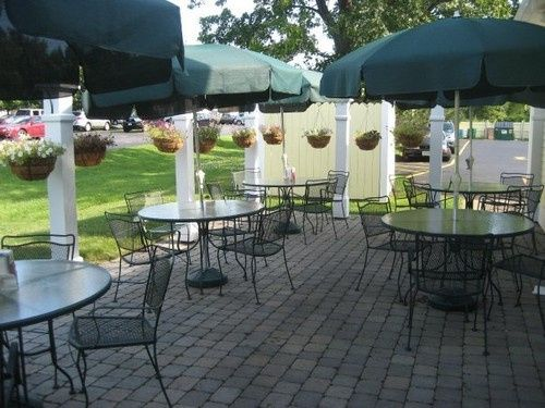 McArdle's Restaurant patio set-up