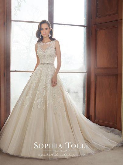Elegant looking dress