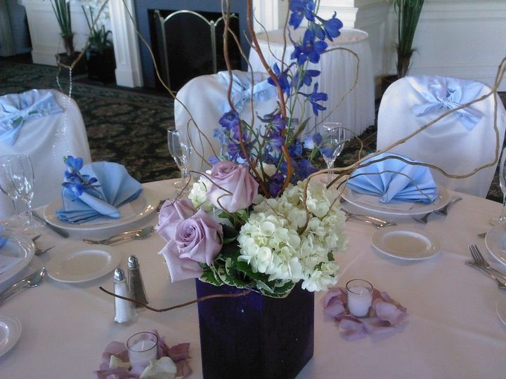 Flower arrangement on table setup