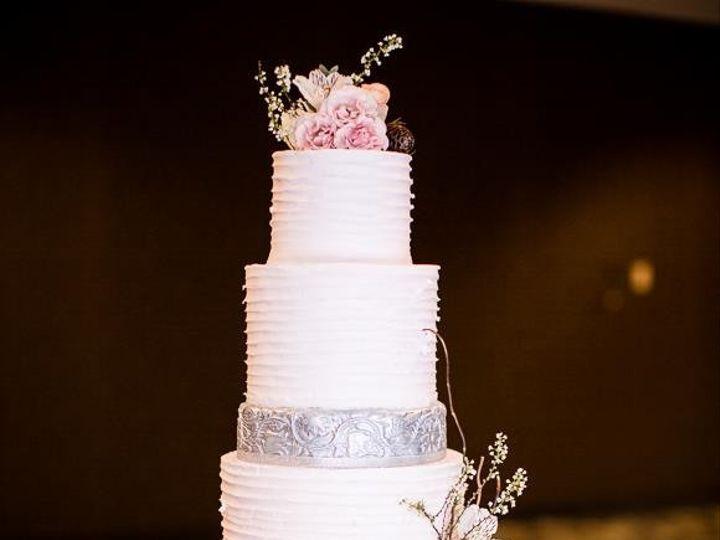 Tmx 1452548899434 10959484101551958678850323418006780650177682n Kansas City wedding cake
