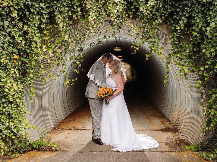 Tmx Bride Groom In The Tunnel 51 761844 1572472137 Snohomish, WA wedding venue