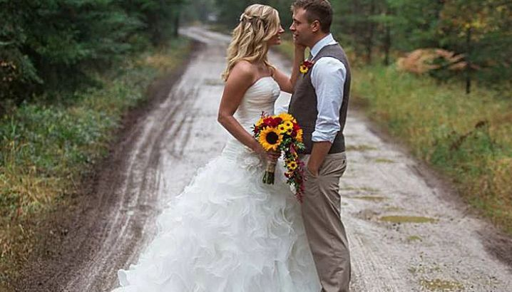 Timber River Ranch Waterfront Wedding Venue