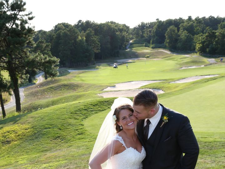 Tmx Couple Kissing Golf Course 51 2844 1556894480 Lakewood, NJ wedding venue
