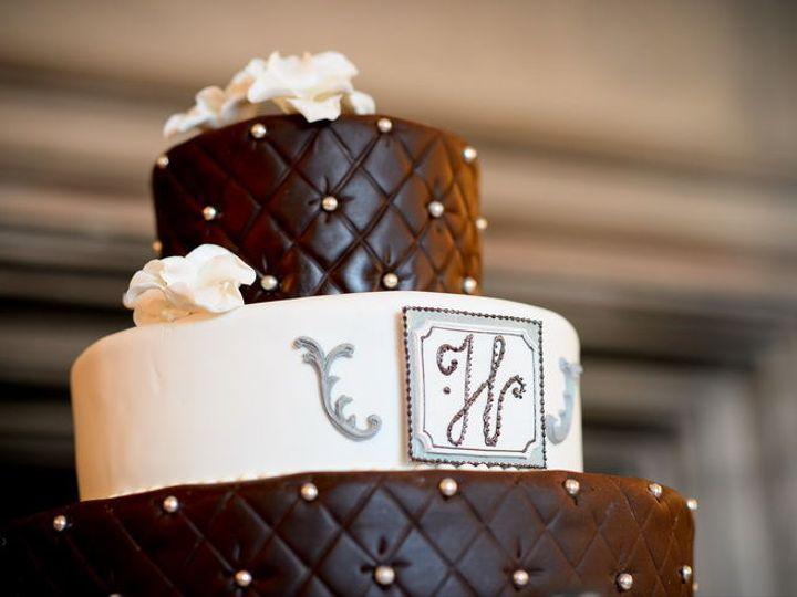 Tmx 1522168569 40250736d4fcd88e 1522168567 Cd9cbb8735472e6b 1522168564516 18 Tpb18 Topsfield, MA wedding cake