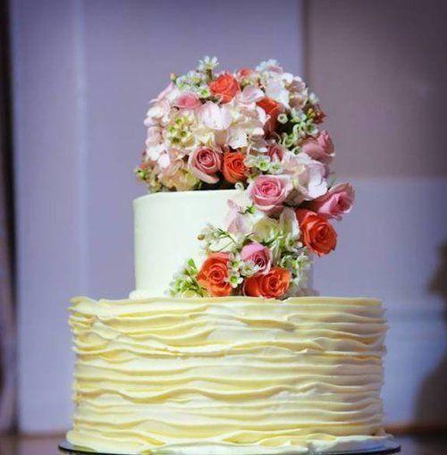 Tmx 1522168570 4de42ab4b2228eff 1522168569 Df46523584409319 1522168564524 26 Tpb26 Topsfield, MA wedding cake