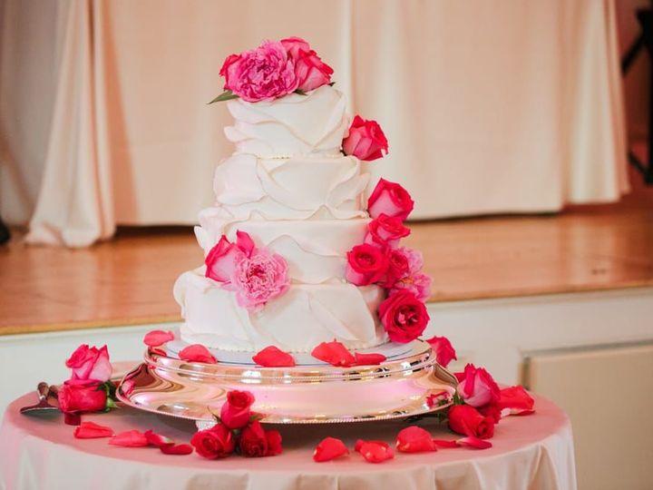 Tmx 1522168574 A292ba4371703272 1522168571 2cded17ce56b08d1 1522168564537 37 Tpb37 Topsfield, MA wedding cake
