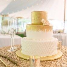 Tmx 1522168945 81d16aacc7116b06 1522168944 Eafd3a7acb6e2a6e 1522168945876 4 Tpb49 Topsfield, MA wedding cake