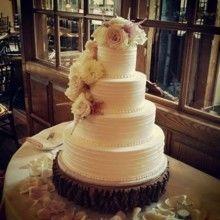 Tmx 1522168945 B58e01d861cde3a6 1522168945 B9c6580b29e5a9b4 1522168945882 7 Tpb52 Topsfield, MA wedding cake