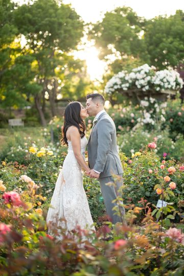 A sweet moment among the flowers, E&B Photography