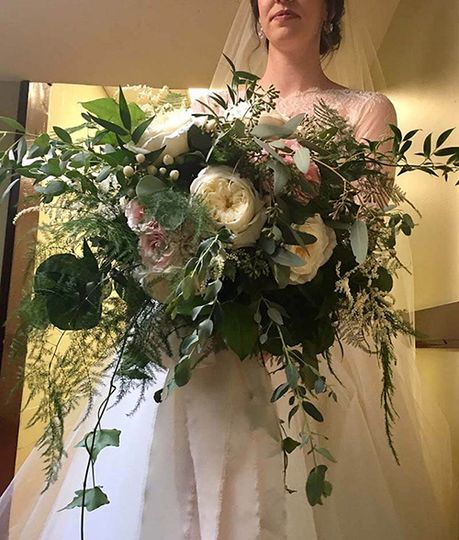 natural white bridal bouquet