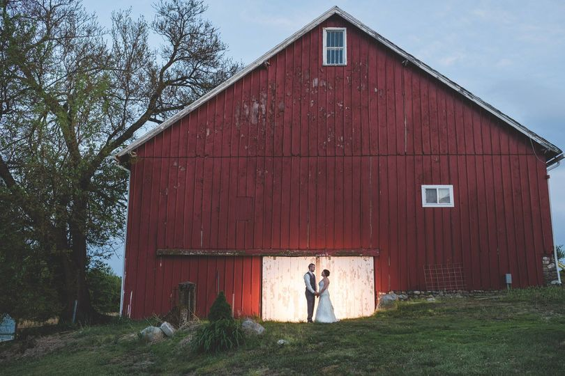 Old barns and lovers