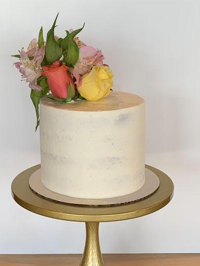 Smile Naked cake with fpastel