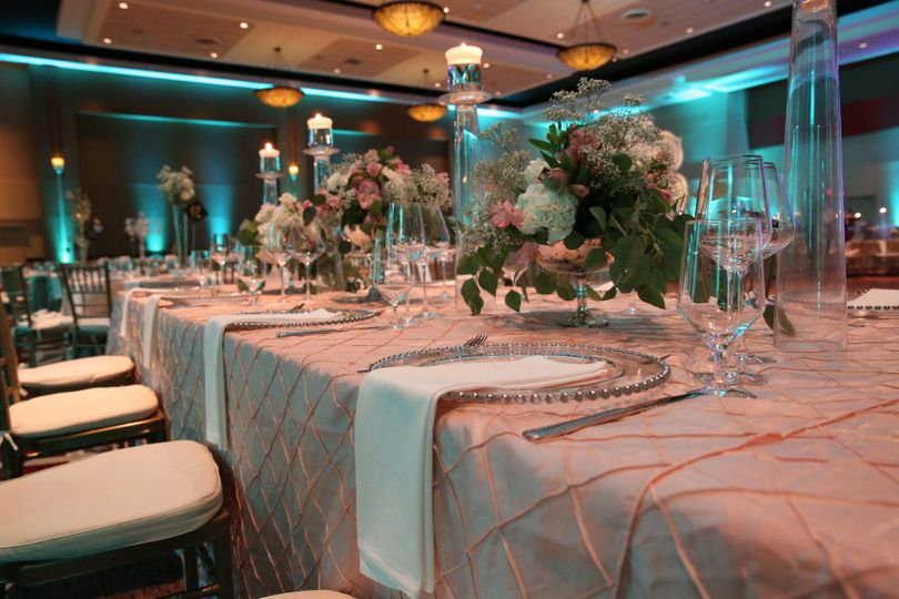 800x800 1466453398577 hyatt regency columbus regency ballroom wedding 4.