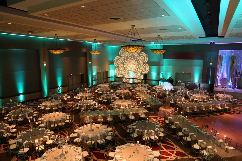 800x800 1466453439598 hyatt regency columbus regency ballroom wedding 7.