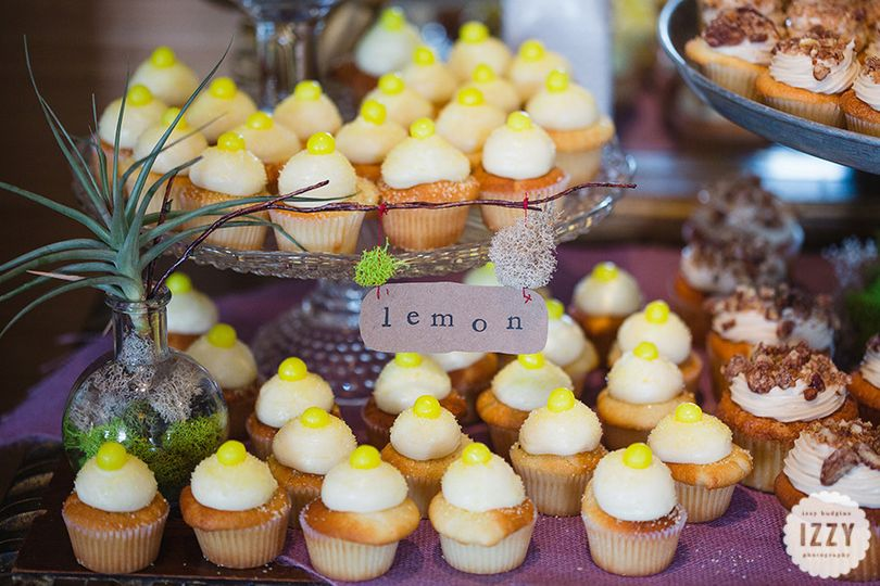 Lemon squeeze mini wedding cupcakes