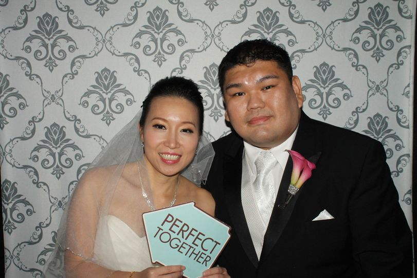 Our CandidShots4u Photo Booth at Jeffrey & June's Wedding.