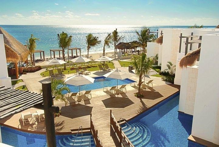 azul beach pool ocean