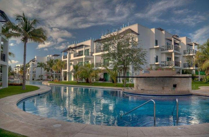 azul fives pool villas