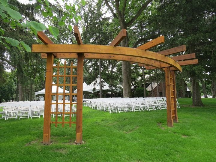 arbor pic from behind