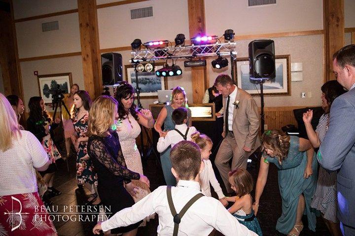 Weeding dance family