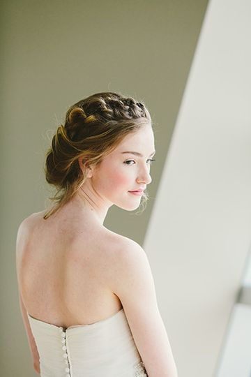 Spring inspired natural bridal makeup artistry by Savannah Rae Beauty.